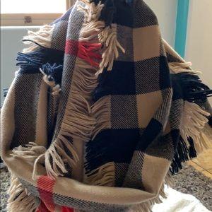 Burberry wool scarf 🧣